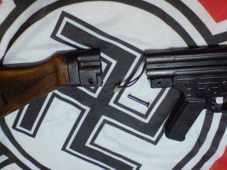 Mp44_stock_off